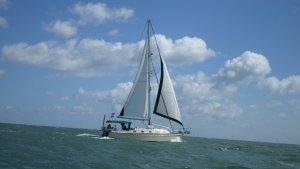 Queen B voor de Engelse kust